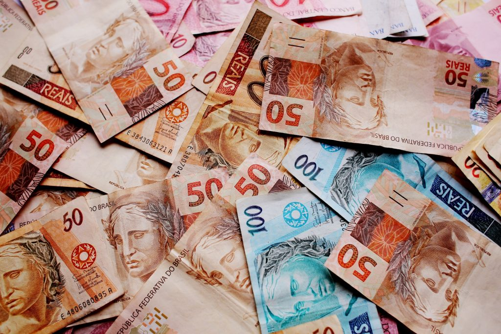Travel Money Management Currencies Exchange Transfers For Travellers Best Ways to Pay on trips abroad foreign monetary values Tranferwise